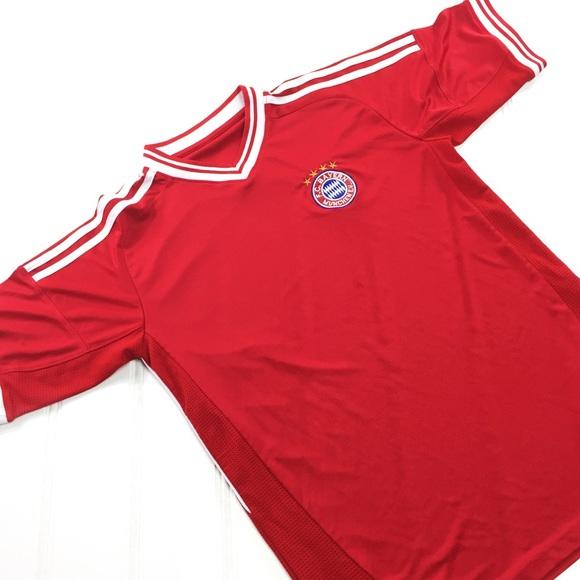 designer fashion dcf3d 6aa6d FC Bayern Munich Muchen Soccer Red Jersey Shirt M